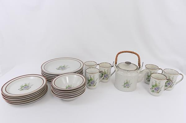 25 Piece Made In Japan Dinnerware Set For 6 Floral Teapot & SwedeMom - 25 Piece Made In Japan Dinnerware Set For 6 Floral Teapot