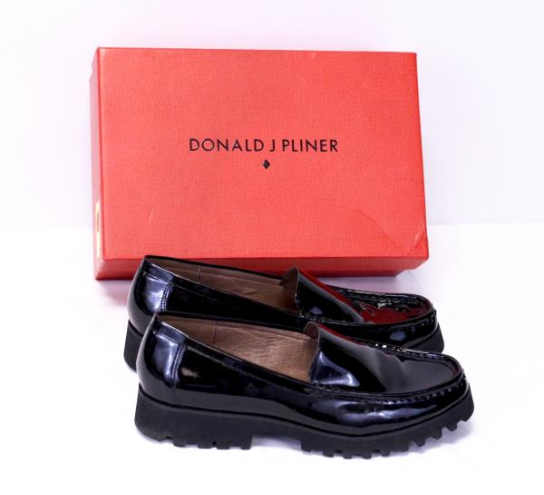 f795ad1da6b DONALD J PLINER Black Patent Leather Loafers Lug Soles  RIO3 Womens Shoes  9.5
