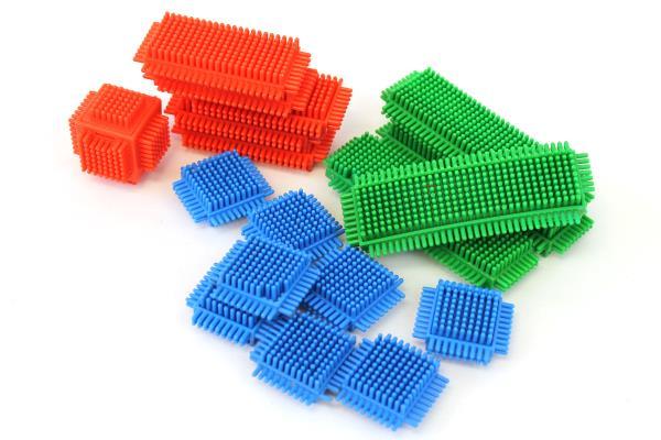 ... Set 806 Bristle Blocks 40 Building Blocks Cubes Wheels Squares More