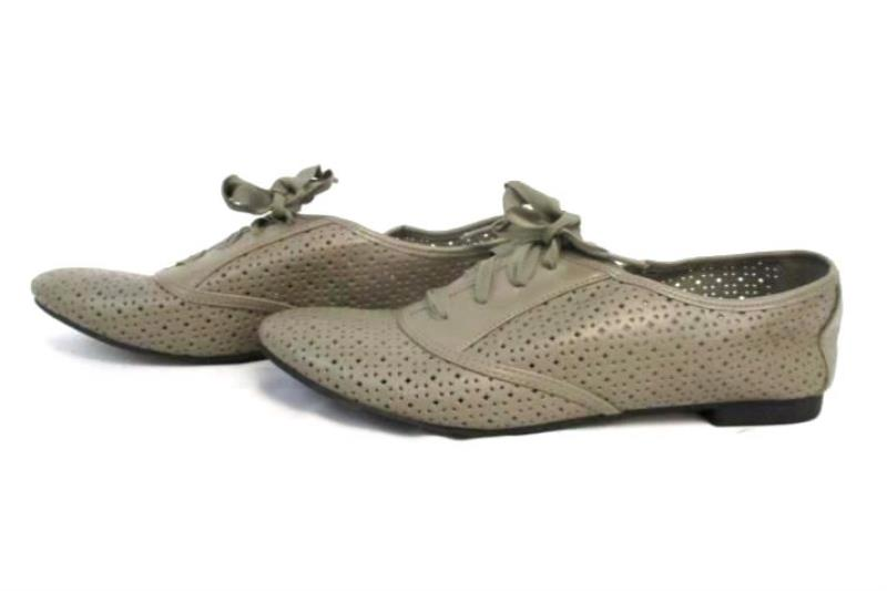 Womens Fashion Metal Perforated Oxfords Lace Up Round Toe Low Heel Flat Shoes